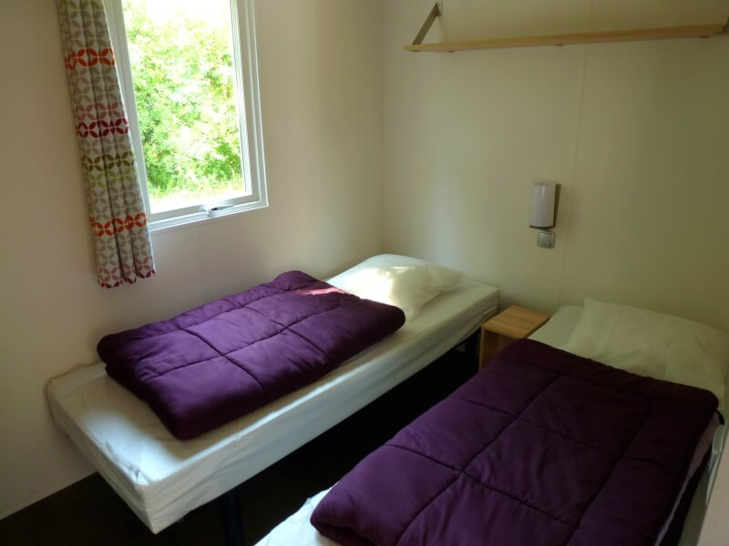 Mobilhomes 4 à 6 personnes - Chambre avec lits simples