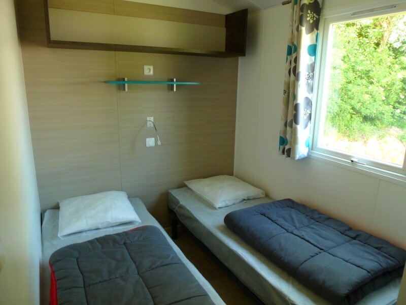 Mobilhomes 6 à 8 personnes avec lave vaisselle - Chambre lits simples
