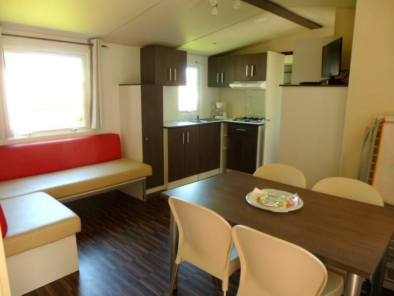 Mobilhomes pour 6 à 8 personnes - Salon et cuisine