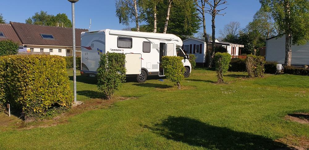 Des campeurs en camping car